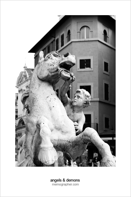 Fontana di Nettuno (Fountain of Neptune). Piazza Navona, Rome, Italy