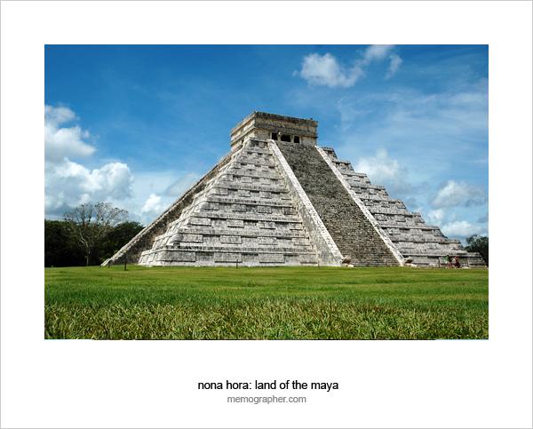 El Castillo Pyramid. Chichen Itza, Mexico