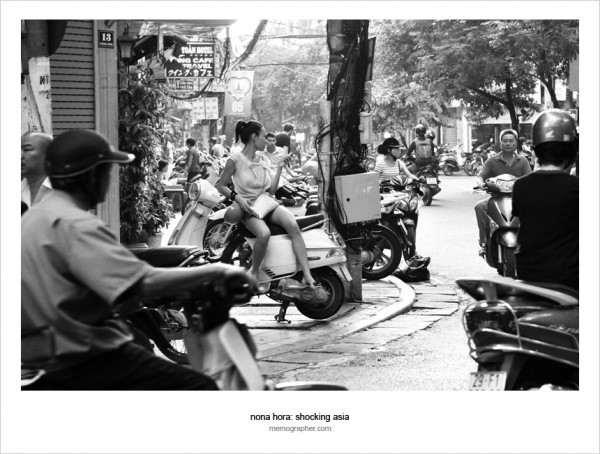 A Girl on A Date. Hanoi, Vietnam