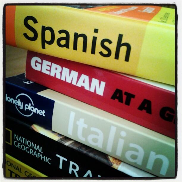 On My Shelves. Spanish, German, Italian At-A-Glance